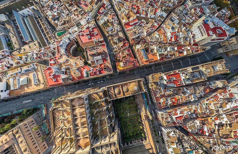 Avenida de la Constitución de Sevilla. Photo credit: Airpano