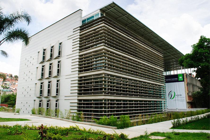 Excelecon Fachada Edificio Moderno UCAB.jpg