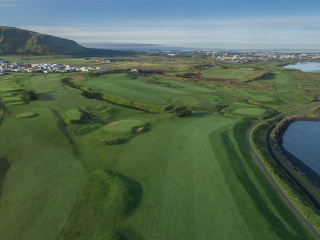 Iceland - Mosfellsbaer Golf - Golfklúbbur Mosfellsbæjar - Hlidavollur - Hlíðavöllur - aerial 3