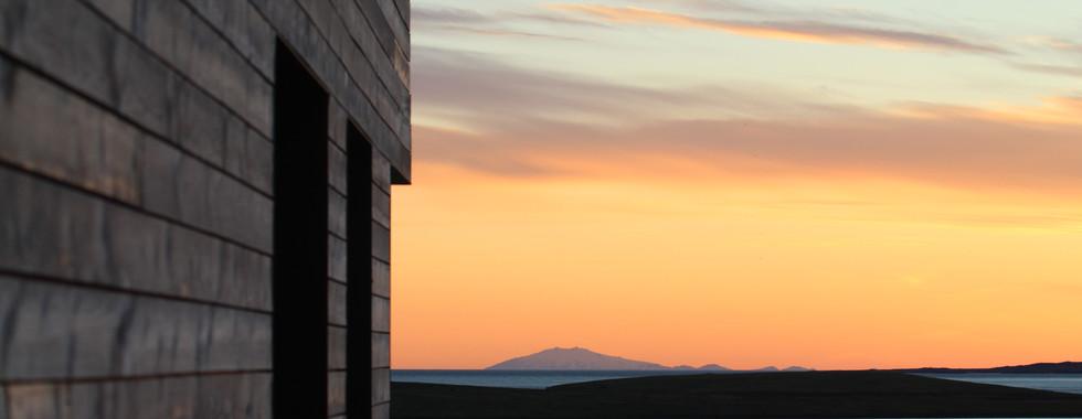 Iceland - Mosfellsbaer Golf - Golfklúbbur Mosfellsbæjar - Iceland - BLIK BISTRO Bistro&Grill -Restaurant view Mountains
