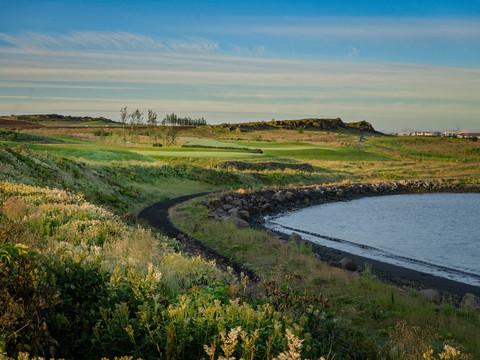 Iceland - Mosfellsbaer Golf - Golfklúbbur Mosfellsbæjar - Hlidavollur - Hlíðavöllur - 8th hole - ocean course