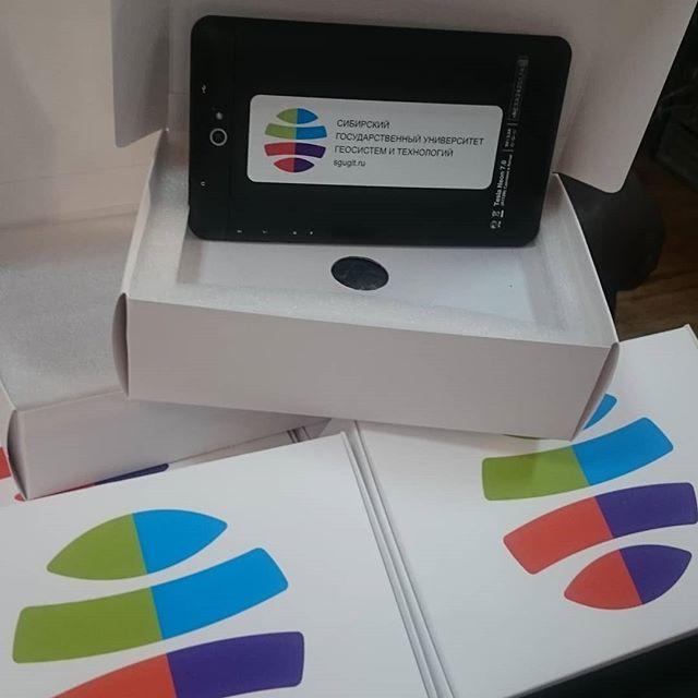 Брендированный планшет в упаковке