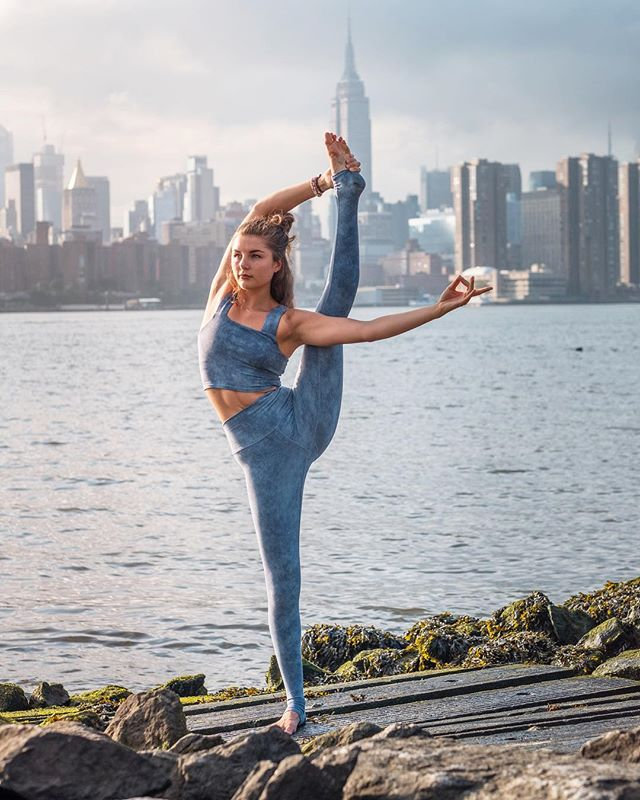 Vinyasa Yoga (Online)