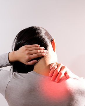 neck shoulder injury painful women suffe