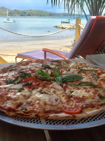 beachclub_pizza_restaurant_calamiaresort.jpeg
