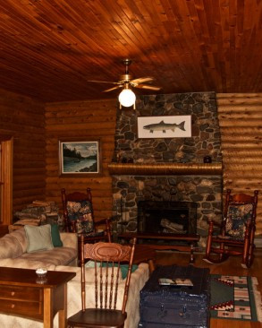lodge_living_room2-550x366.jpg