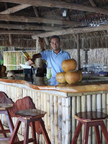 beachclub_bartender_restaurant_calamiaresort.jpg
