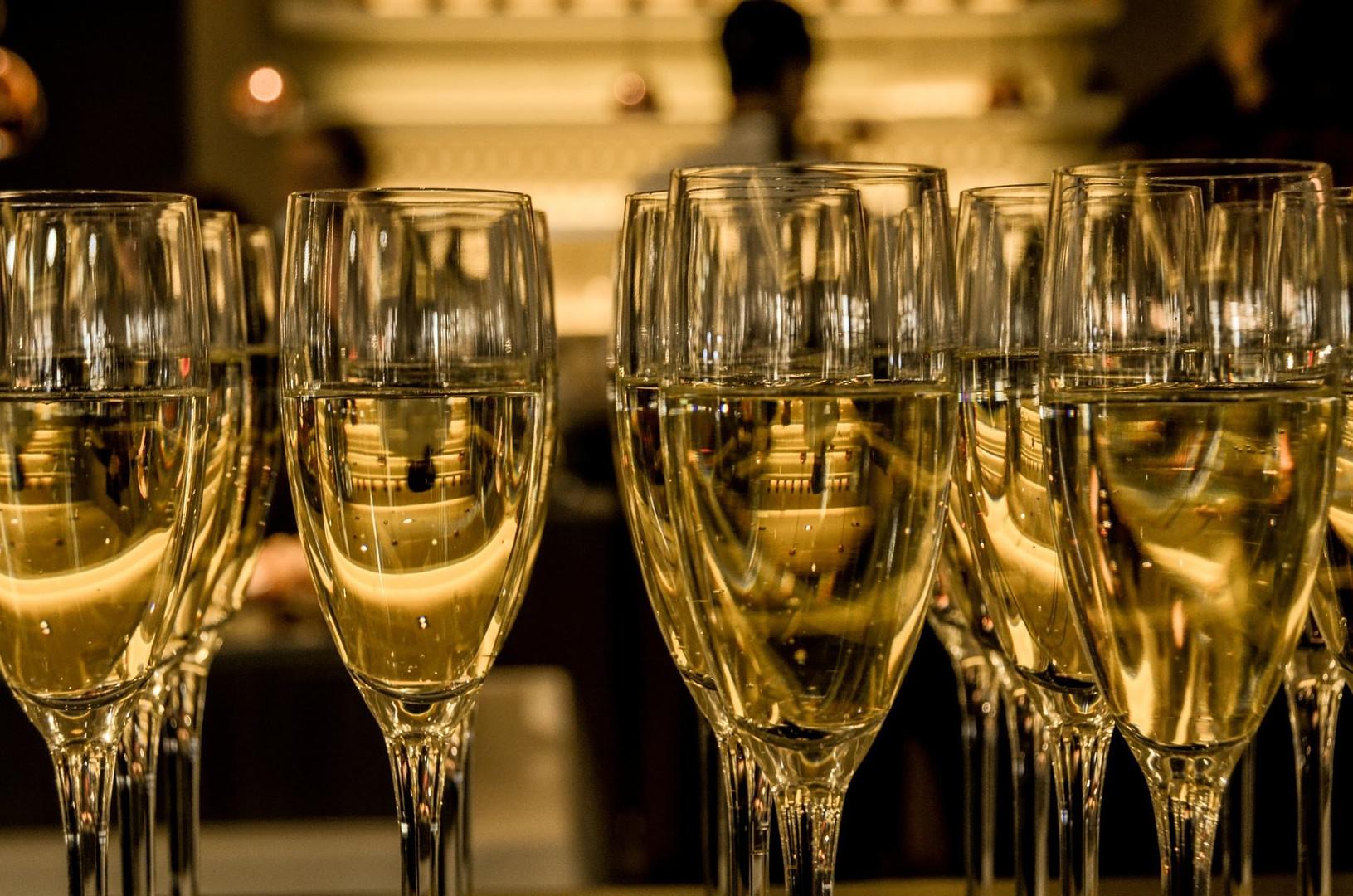 champagne-583410_1920.jpg