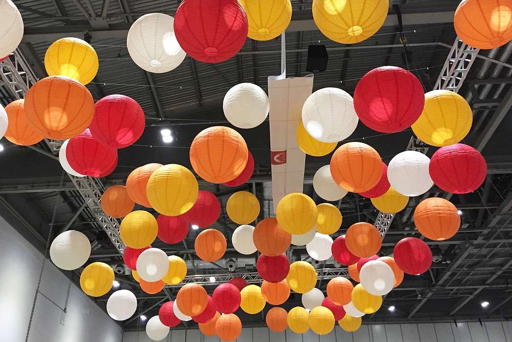 hanging lanterns at excel london for an exhibition stand
