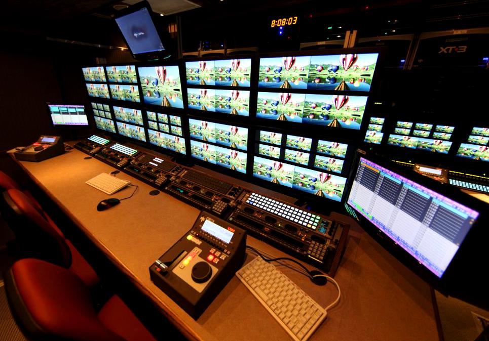 53' 3G-HD Expando | EVS Replay Bench