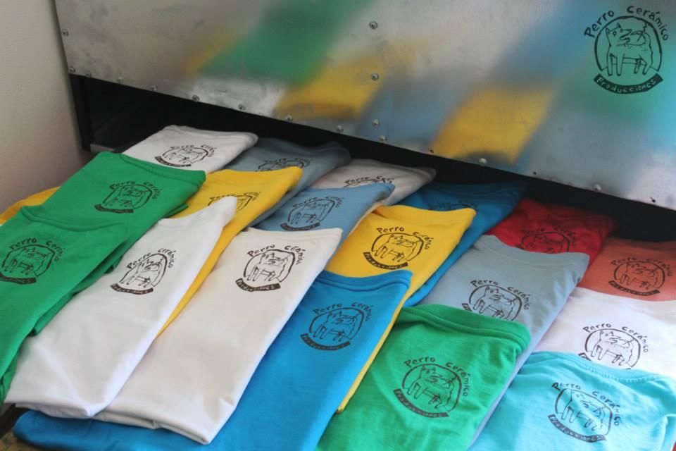 Camisetas arte público Muchos colore