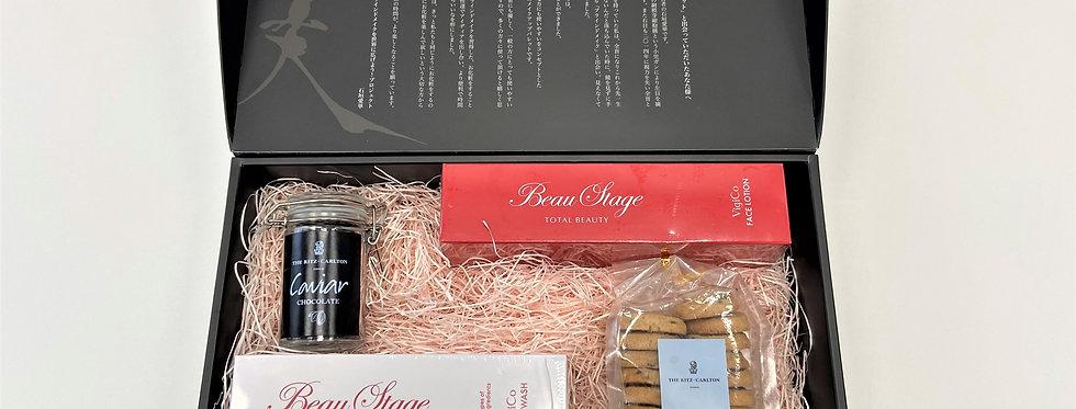 THE RITZ-CARLTON × Aderans 「BLINDMAKE 洋菓子&化粧品セット チャリティーBOX」