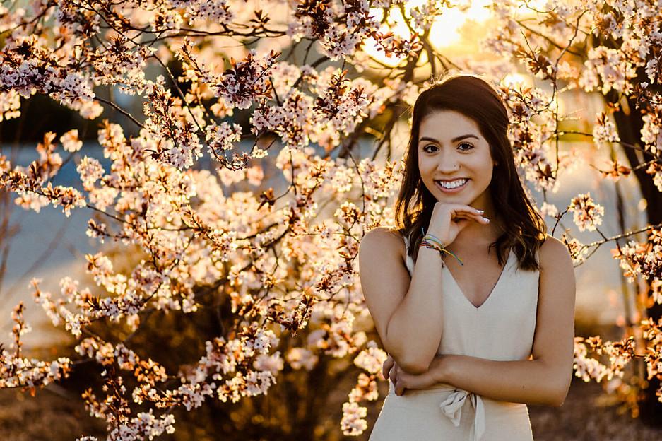 Senior-Photos-Boise-Flowers.jpg