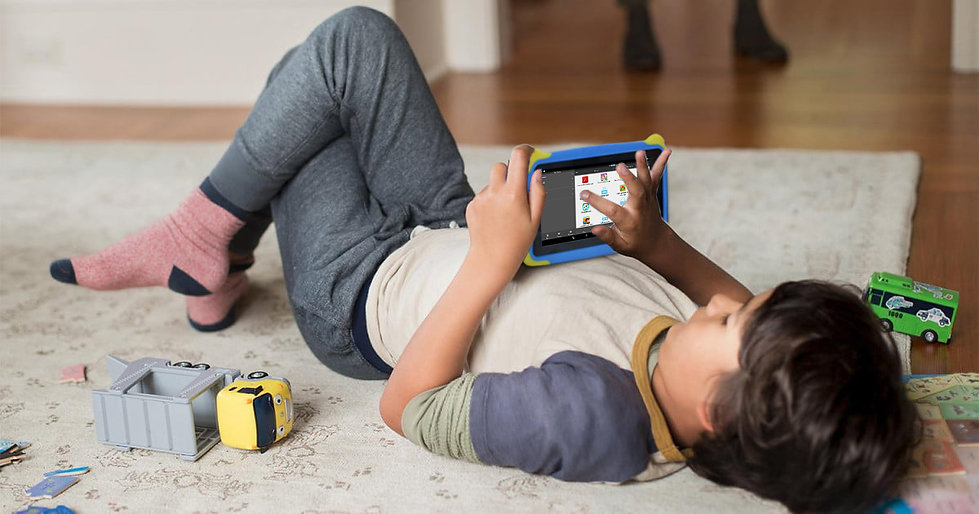 Kids-Playing-with-their-Tablets-6.jpg