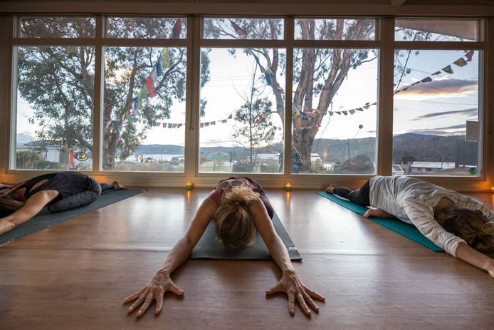 HOW TO BUST THROUGH THE FEAR OF ATTENDING A YOGA CLASS?