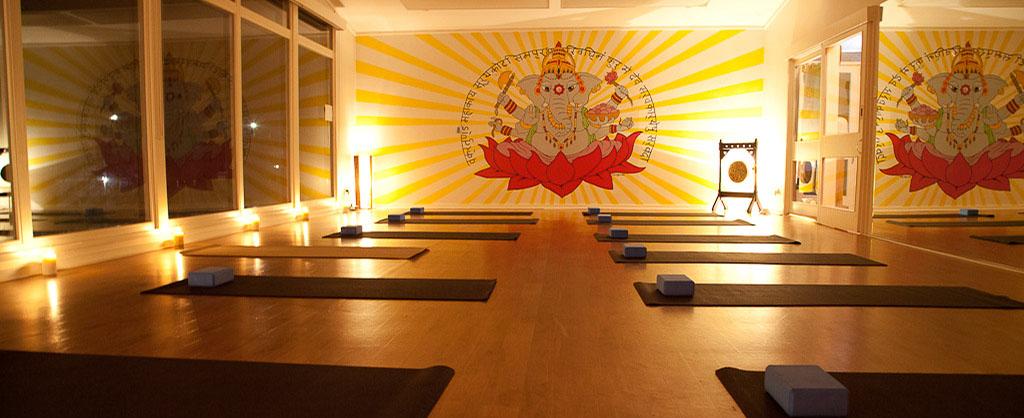 Yoga_Jindabyne_Mural-1