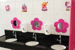 Escola Galileo Kids Banheiro das Meninas