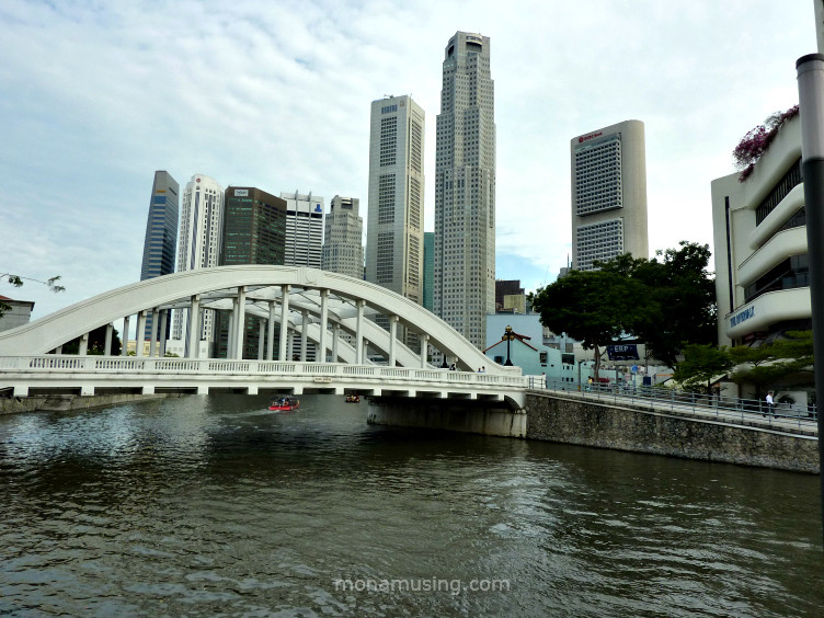 Coleman bridge and skyscrapers in Singapore
