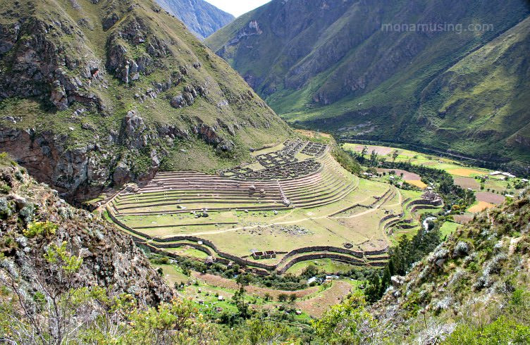 Inca ruins along the trail to Machu Picchu
