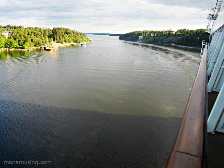 sailing through the Stockholm archipelago on a Baltic Cruise