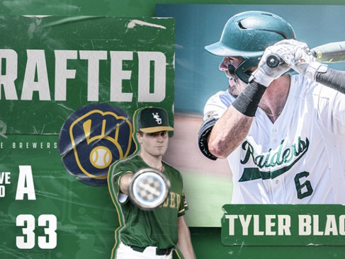 Tyler Black Signs With Milwaukee Brewers