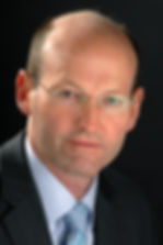 dr simon tordoff, anaesthetist, professional portrait, pain medicine, practitioner, specialist
