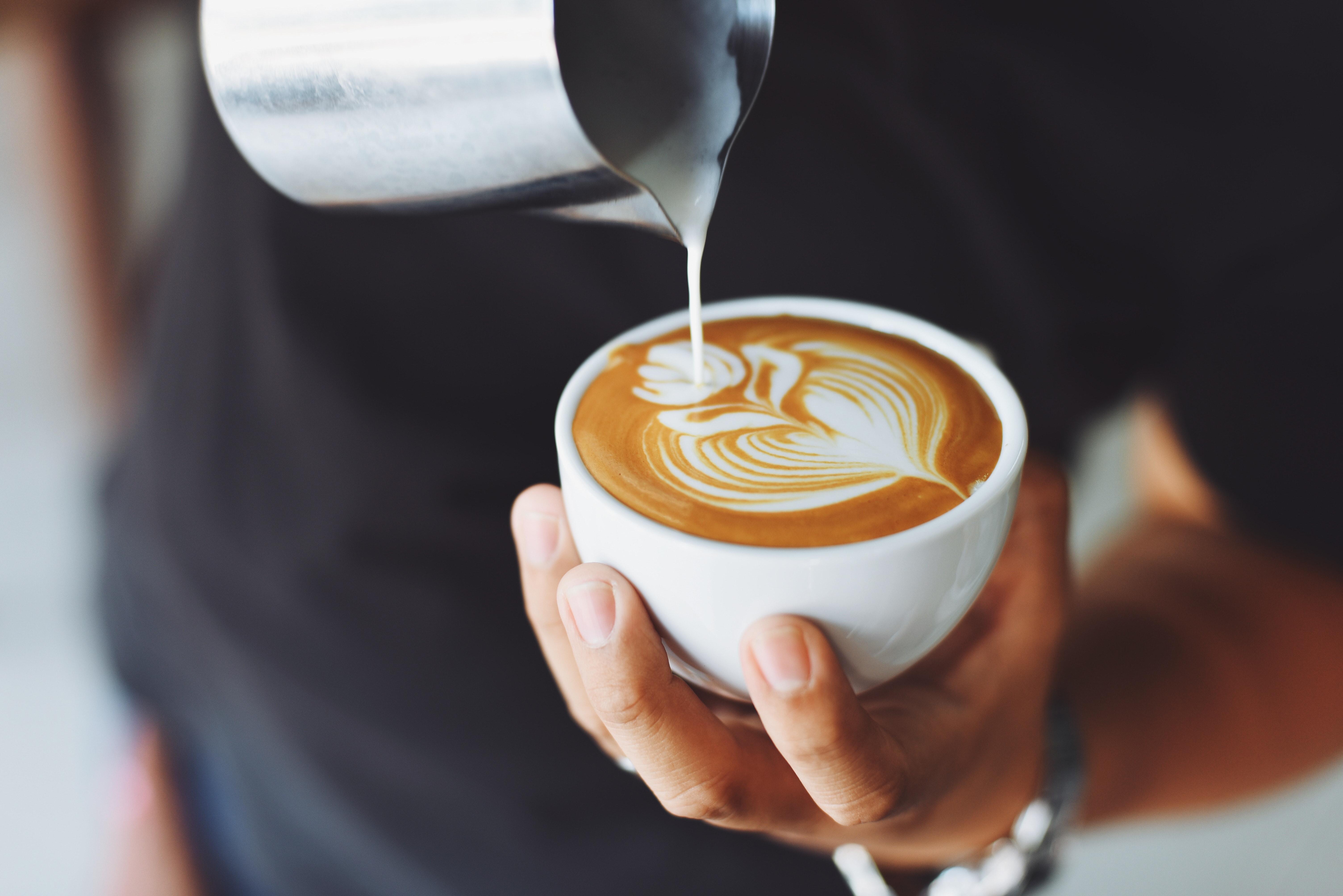 Entspannen Sie in den netten Cafes