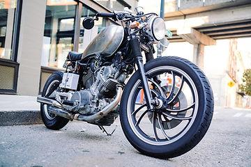motorcycle-1149389_1920.jpg