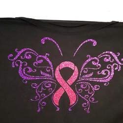 To tskjorter klare for nye eiere som støtter en god sak ☺#rosasløyfe #sommerfugl  #brystkreft #foren