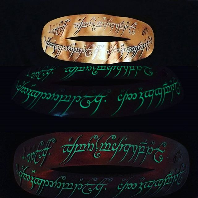 Ny #favoritt One ring to rule them all #lotr #lordoftherings #ringenesherre #tskjorte #tshirt #glowi