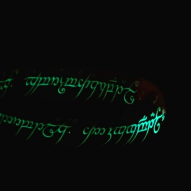 One ring to rule them all #lotr #glowinthedark #selvlysende #gold #onering #lordofthering #birildesi