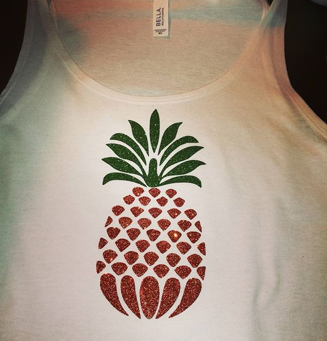 #beapineapple #justbecause #ananas #glitter #croptop #summertime #sommermote #birildesign #osøyro