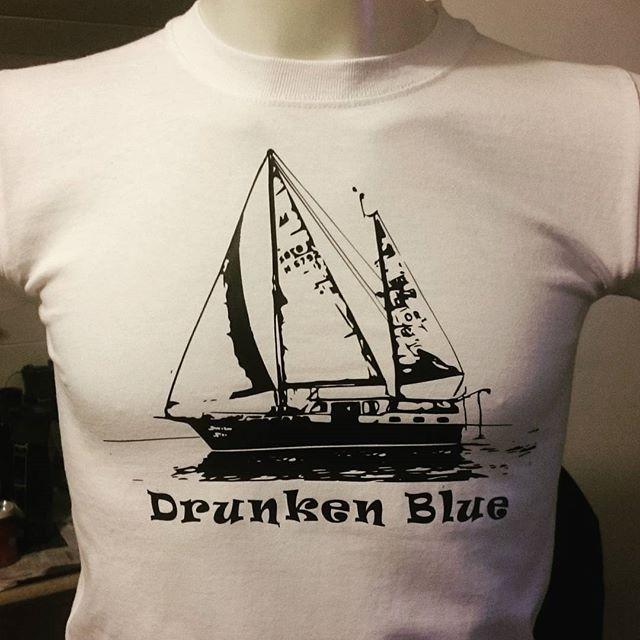 #drunkenblue #seilbåt #motorseiler #kaptein #birildesign #custom #sailing #crew #båt #dittskipher #s