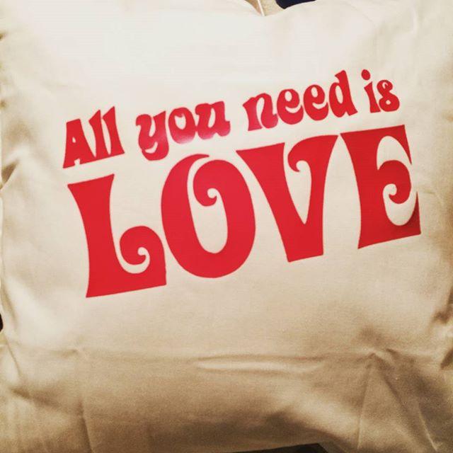 #allyouneedislove #love #pillow #thebeatles #kjærleik #kjærlighet #putetrekk #birildesign #osøyro