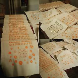 Kjempegøy jobb for _christinesandtorv med å lage 100 nett til hennes siste plateslipp, feiret nett n