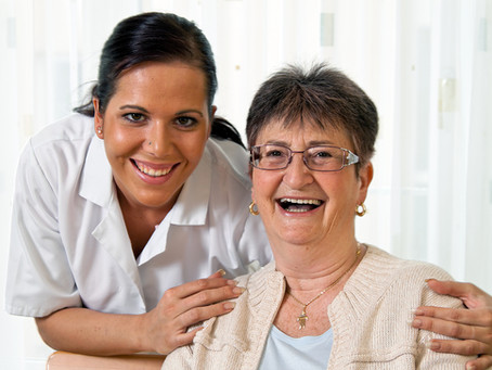 Tackle The Difficulties Your Mom Faces With These Home Care Services
