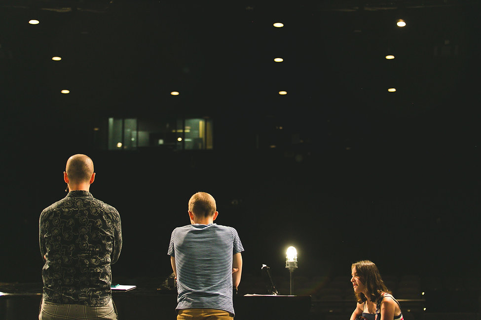 04-song19-from-behind-looking-to-seats.jpg