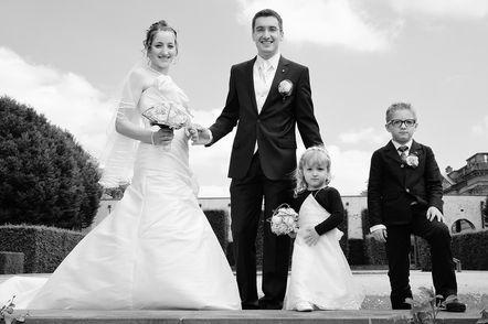 Photo de famille lors d'un mariage