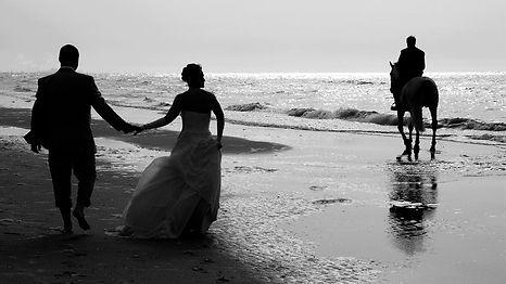 Photo de mariage sur la plage de Coxyde en Belgique