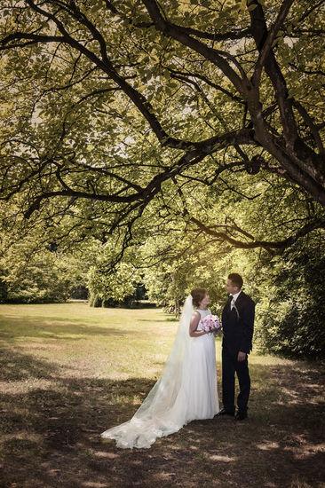 Photo de mariage dans un parc en Belgique