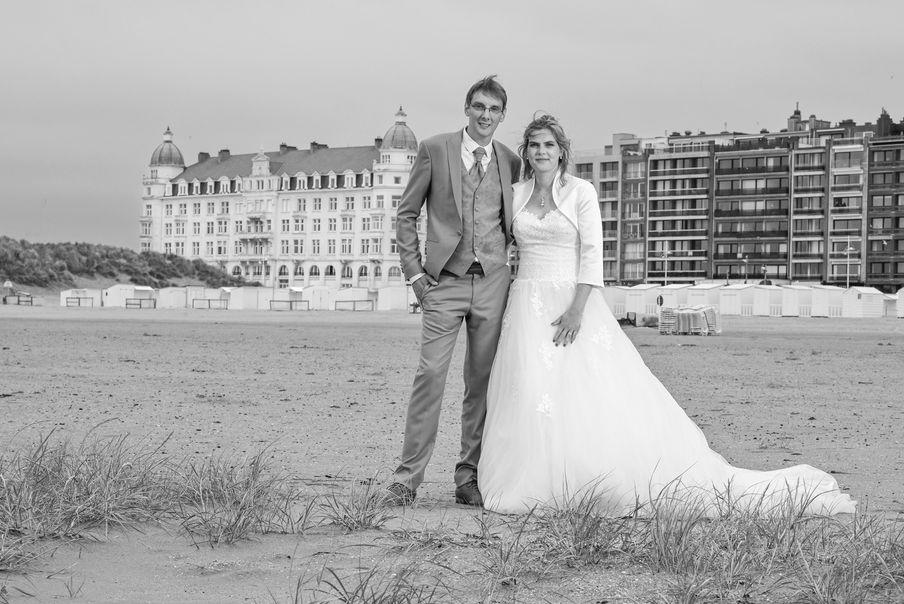 Photo de mariage sur une plage de Zeebruges