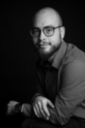 Portrait noir et blanc jeune homme