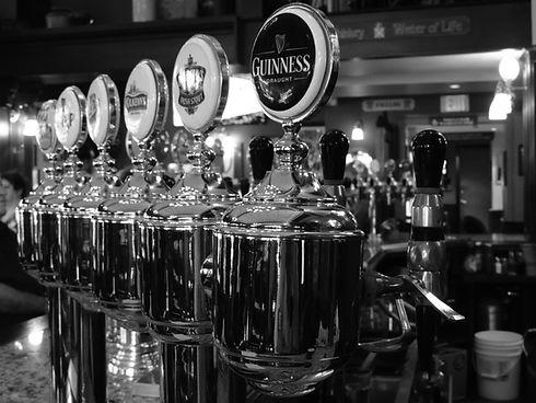 alcohol-bar-bartender-274194.jpg