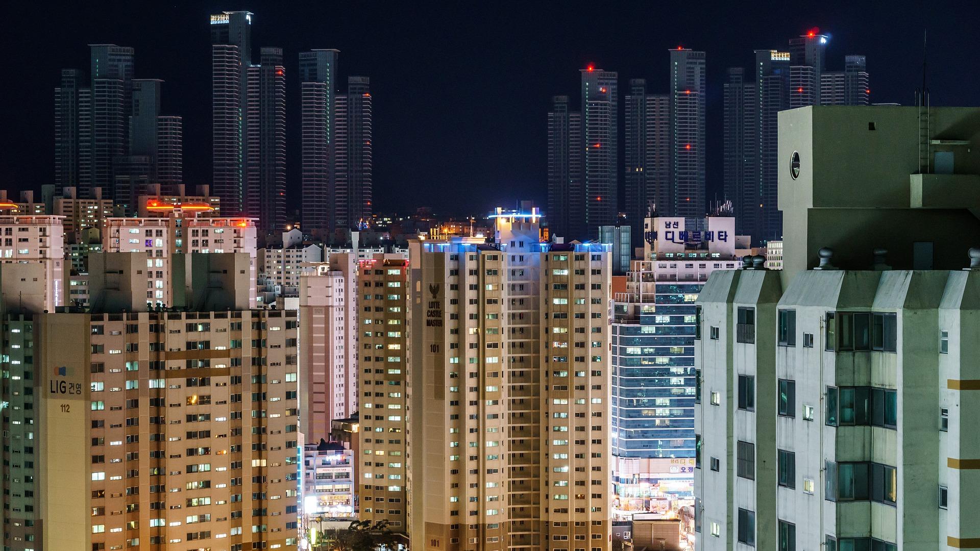 apartment-block-933538_1920