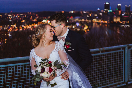Bride and groom at Pittsburgh West End Overlook