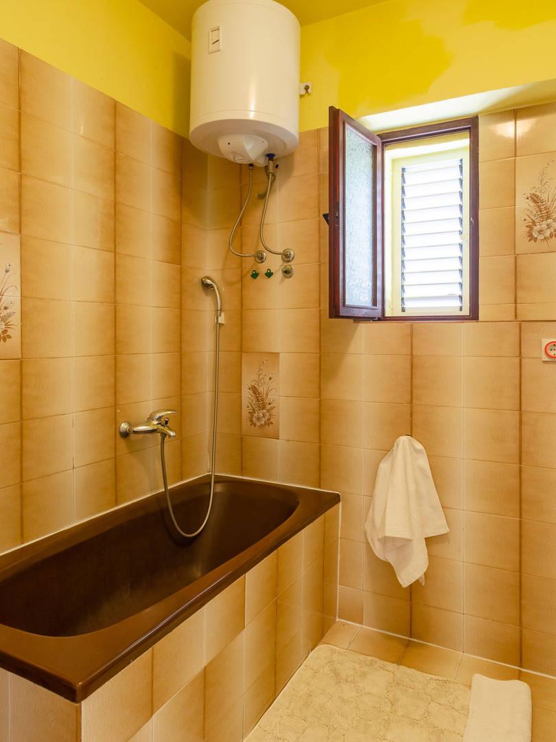 vuletic-apartment-b-bathroom-01.jpg
