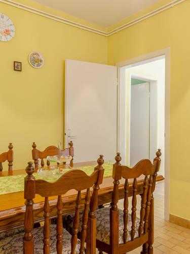 vuletic-apartment-b-kitchen-02.jpg