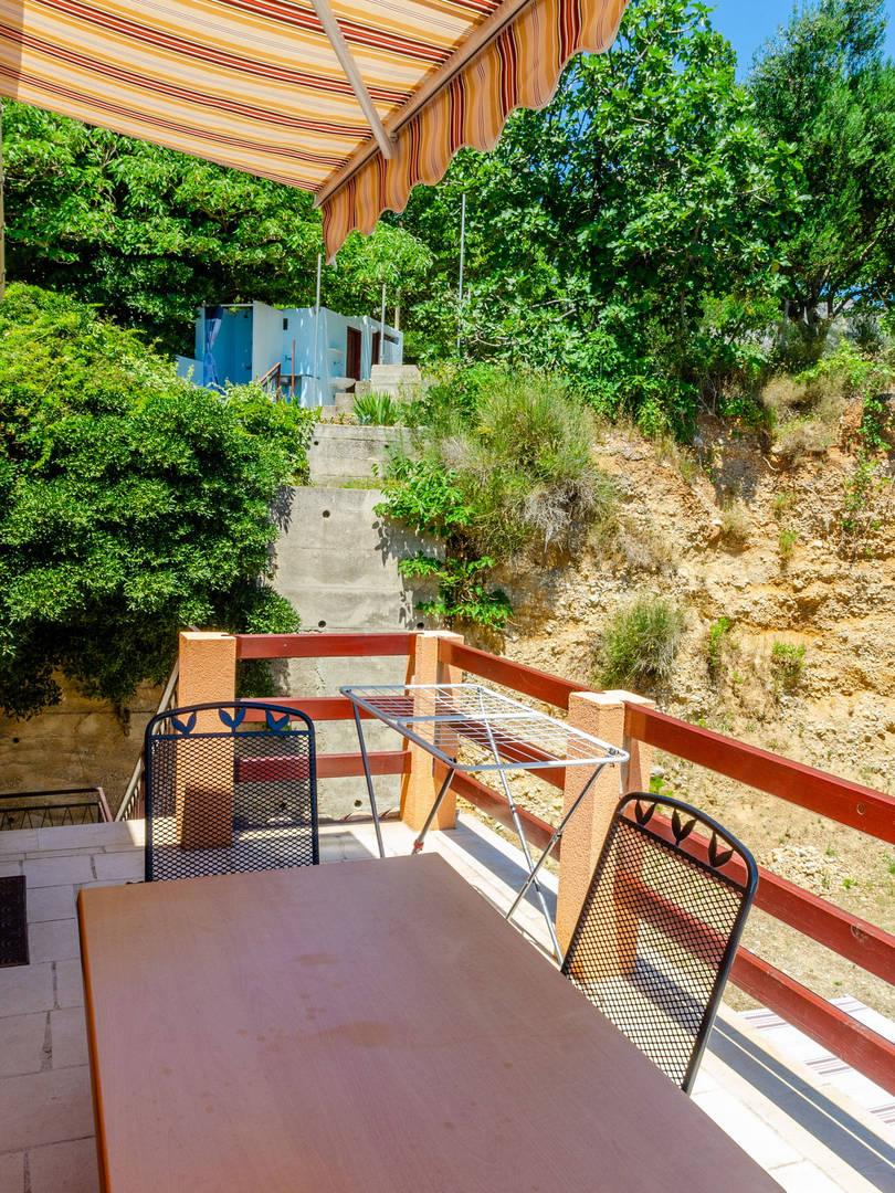 vuletic-apartment-c-terrace-07.jpg
