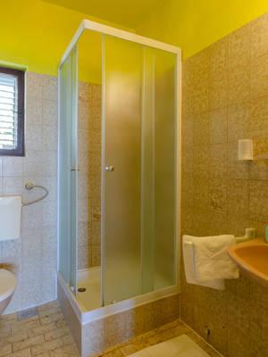 vuletic-apartment-c-bathroom-01.jpg
