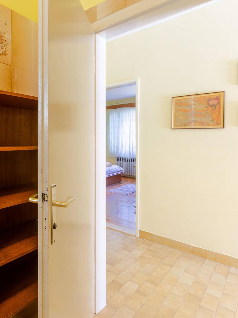 vuletic-apartment-b-bathroom-02.jpg